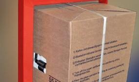 Side-gripping-of-high-cardboard-boxes