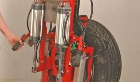 Gripper-for-wheels-with-a-tilting-module